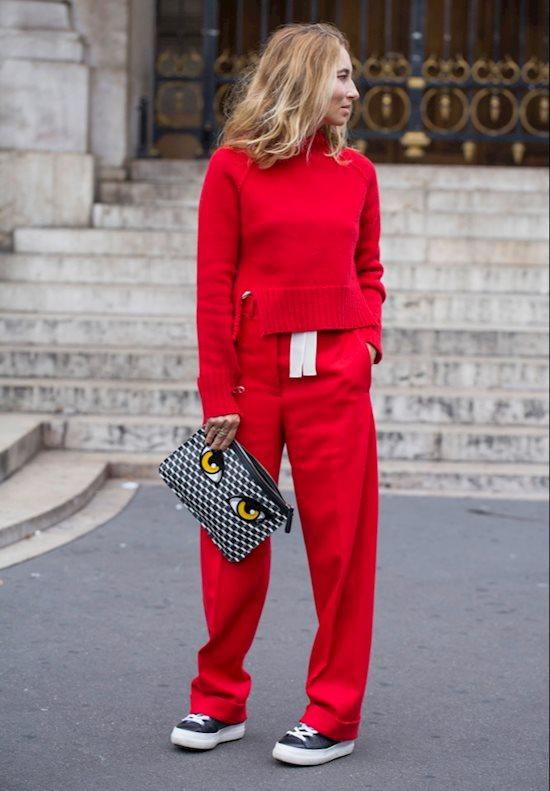 Модный образ в стиле casual red