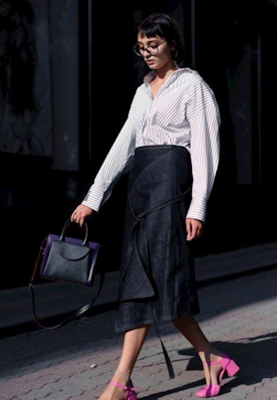 Модный образ в стиле casual denim skirt