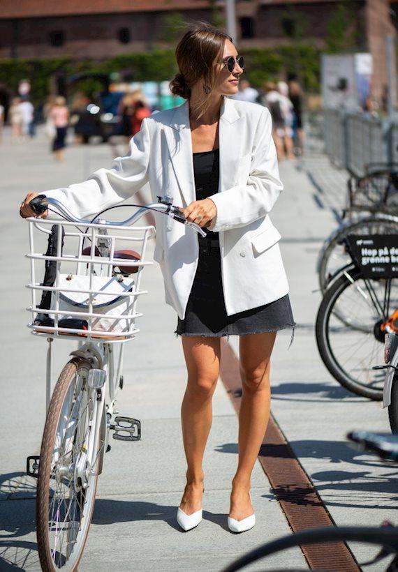 Модный образ в стиле casual Copenhagen