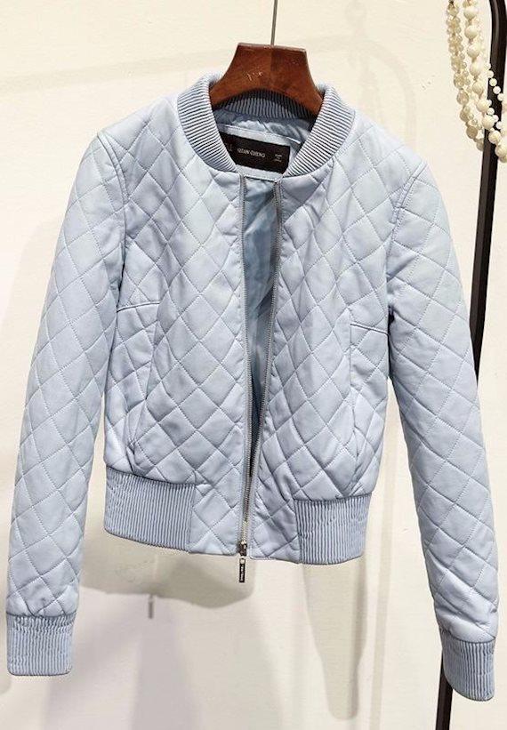 Модный образ в стиле гранж куртка бомбер