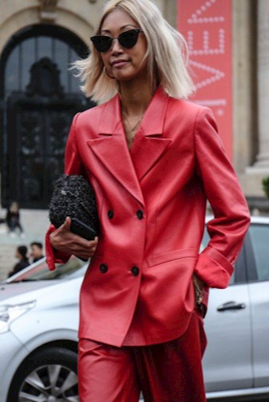Модный образ в стиле Street style red suit