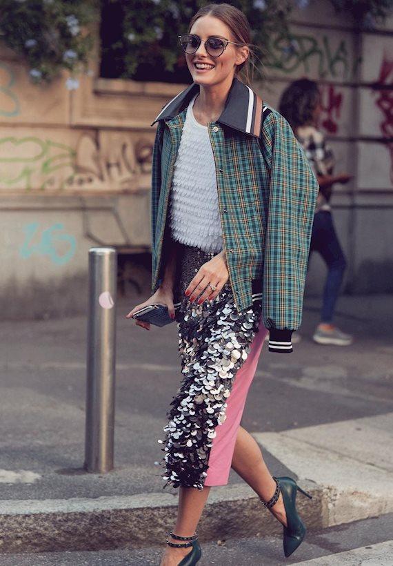 Модный образ в стиле гламур юбка с пайетками