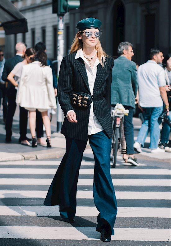 Модный образ в стиле Ретро flared jeans