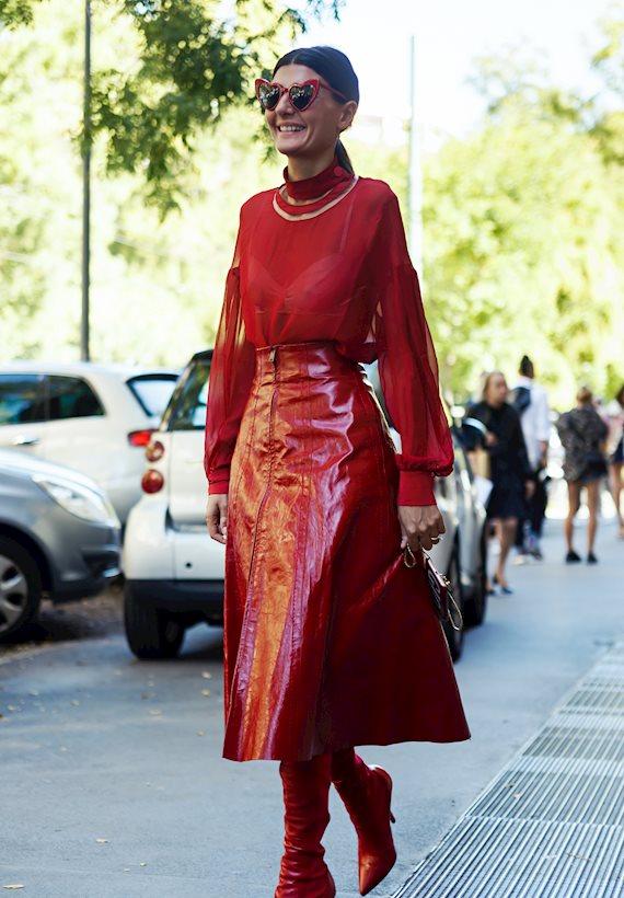 Модный образ в стиле городской шик red look