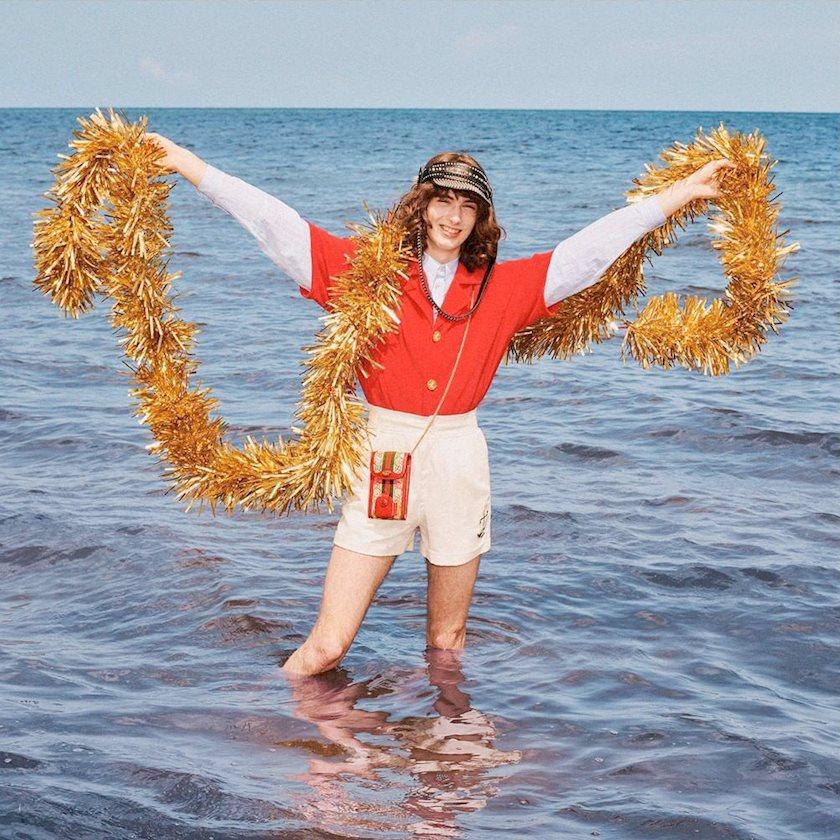Новый год на пляже: Подарки от Gucci