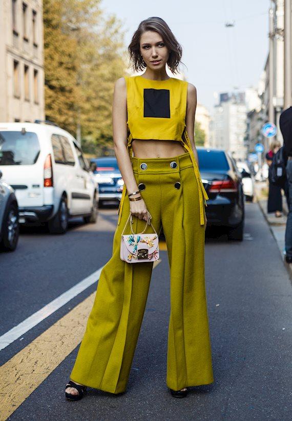 Модный образ в стиле Романтический yellow crop top