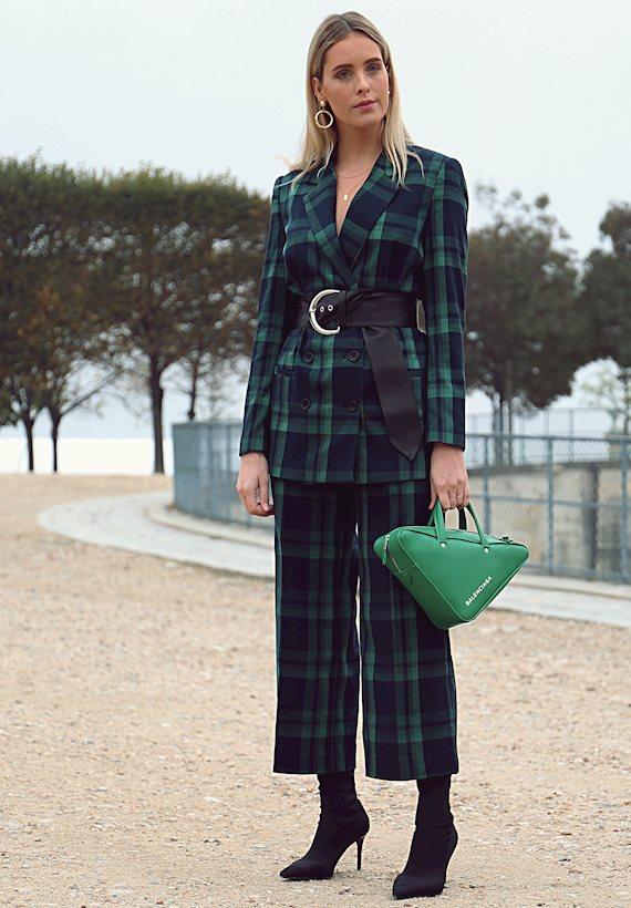 Модный образ в стиле Деловой Balenciaga bag