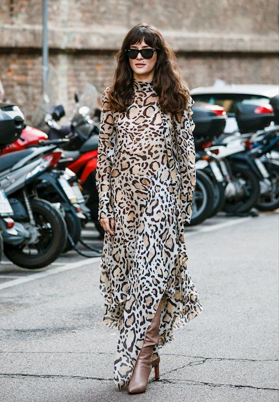 Модный образ в стиле городской шик animal print dress