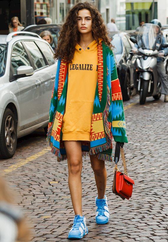 Модный образ в стиле casual hoodie
