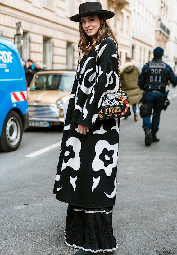 Модный образ в стиле городской шик total black