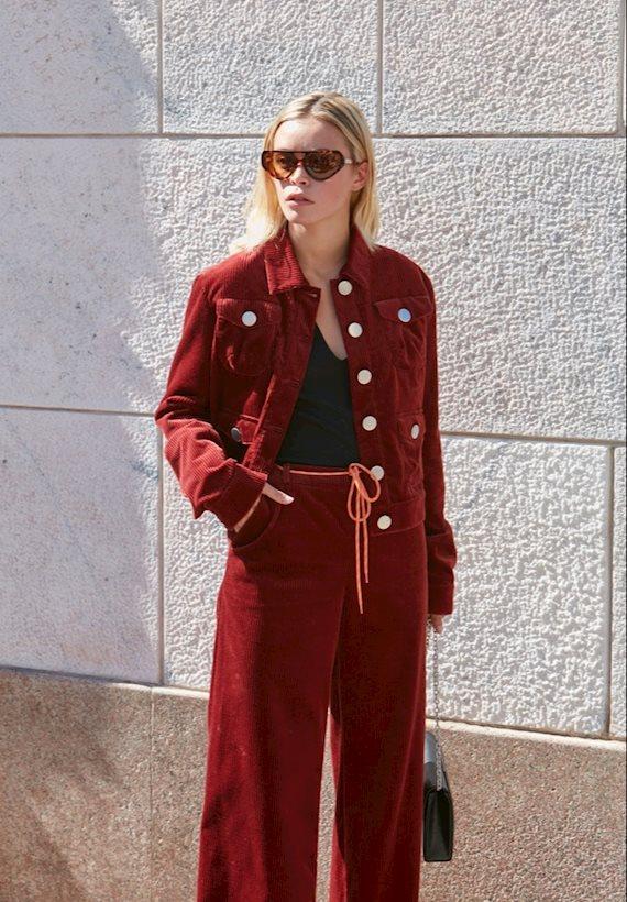 Модный образ в стиле casual burgundy